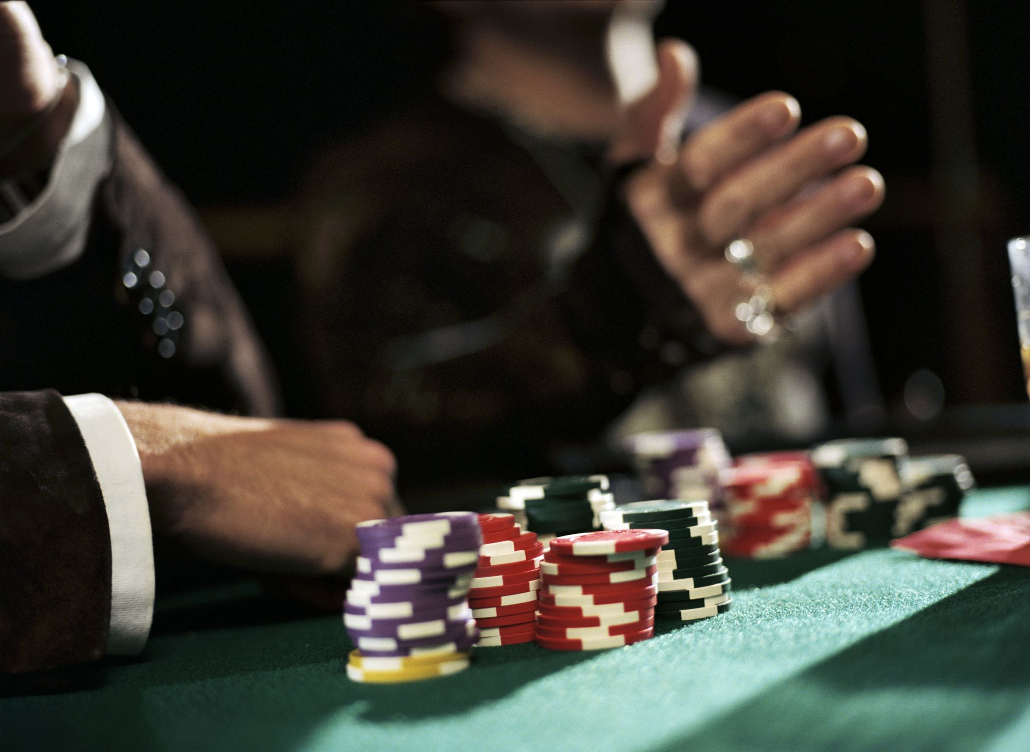 What is the process to register you for online casino game?